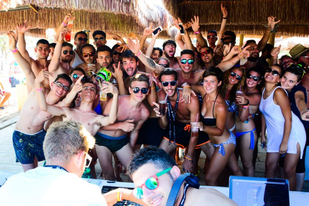 viaggi universitari - viaggi giovani - vacanze a Zante 2018