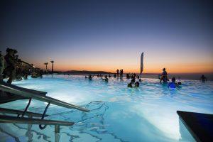 vacaze-a-malta-caf-del-mar pool party