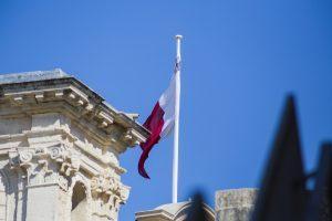 vacazne-a-malta-valletta-bandiera