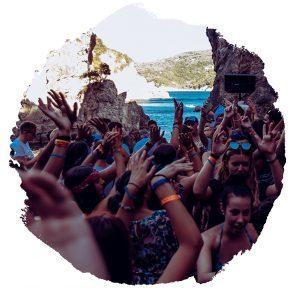 viaggi-giovani-corfu-viaggi-universitari-la-grotta-paleokastritsa