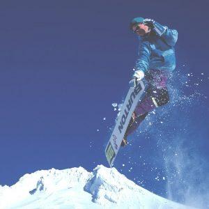 capodanno-in-montagna-madonna-di-campiglio-pinzolo-snowboard