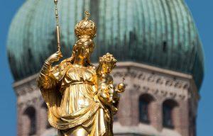 capodanno-a-monaco-per-giovani-low-cost-maria-marienplatz-carillon