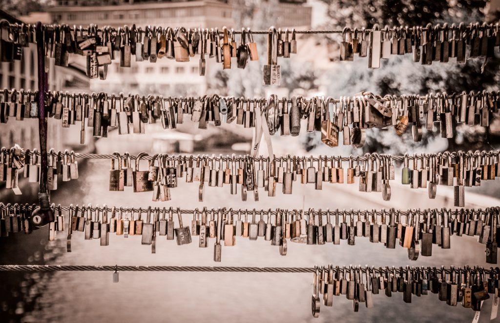 Lucchetti appesi al Ponte dei Macellai - Capodanno Low Cost a Lubiana