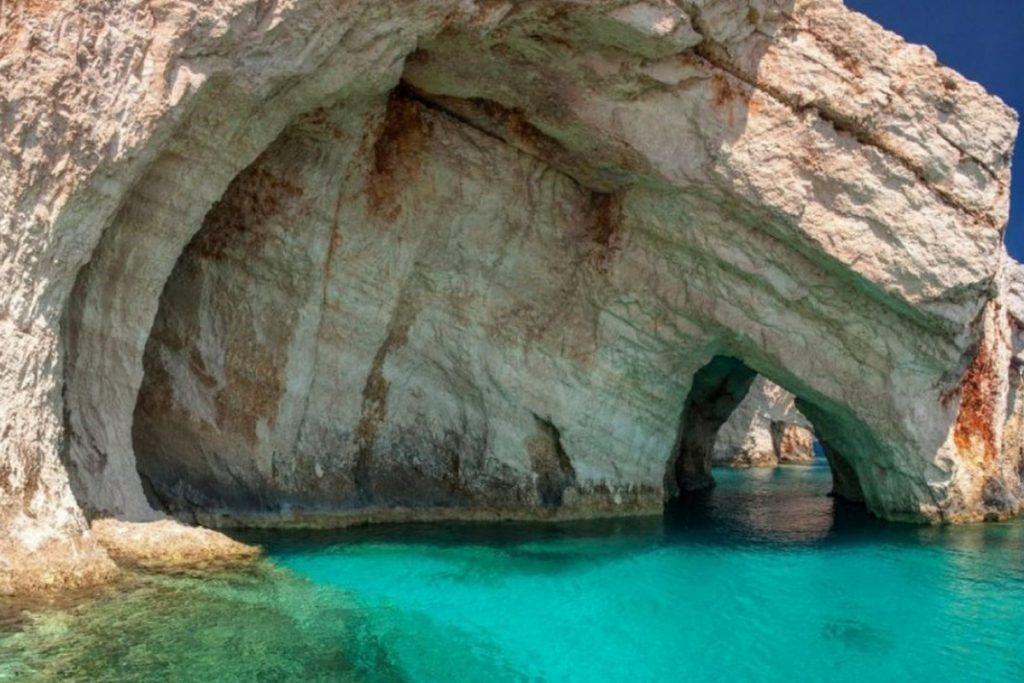 Vacanze per Giovani a Zante FUN! - vista delle Blue Caves