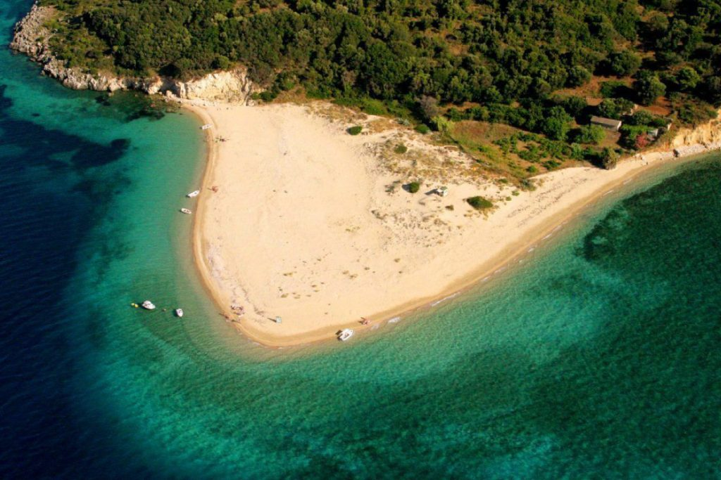 Vacanze per Giovani a Zante - Vista della spiaggia sabbiosa di Marathonissi