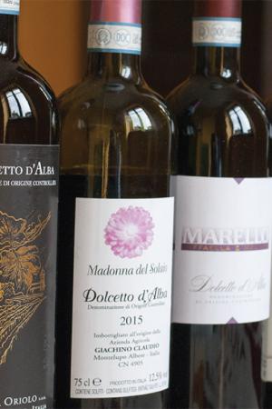 Immagine dei vini DOC di Alba
