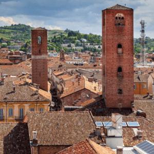 mercato-del-tartufo-alba-rievocazione-panorama-torri