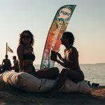 Ragazze in spiaggia durante le Vacanze a Gallipolli ad Agosto